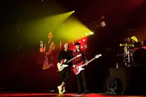 hedley at bell centre 2016