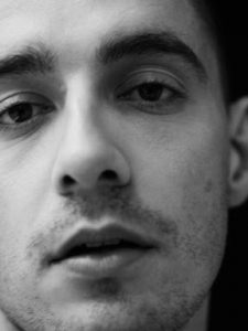 DERMOT KENNEDY ANNOUNCES NEW STRIPPED BACK LIVE EP 'LOST IN THE SOFT LIGHT'