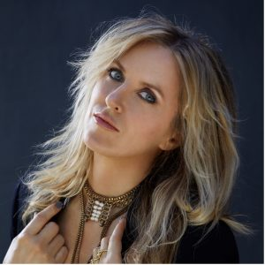 Liz Phair Announces New Album 'Soberish', Her First Record in Eleven Years – Out June 4th via Chrysalis Records