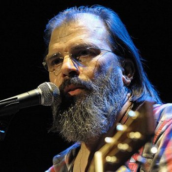 Steve Earle Must Really Love Montreal