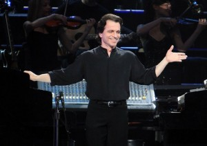 Yanni Comes to Montreal As Part of Latest World Tour