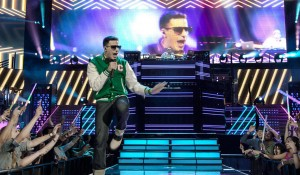 Popstar Glitters as it Gibes