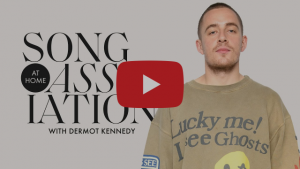DERMOT KENNEDY SINGS BRUNO MARS, THE WEEKND, AND FRANK OCEAN IN A GAME OF SONG ASSOCIATION WITH ELLE, WATCH NOW!