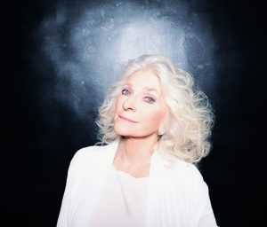 """50th Anniversary: Judy Collins & The Global Virtual Choir Re-Release Her Version of """"Amazing Grace"""" in Aid of the WHO Solidarity Response Fund"""