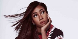 R&B STAR SEVYN STREETER SINGS BEYONCÉ, AVRIL LAVIGNE, MISSY ELLIOTT & MORE IN ELLE'S SONG ASSOCIATION SERIES