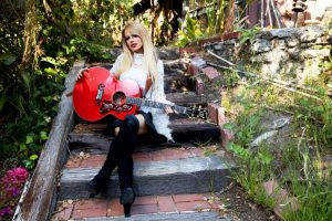 Gibson Announces Orianthi SJ-200 Acoustic Guitar in Cherry; Available Worldwide on Gibson.com